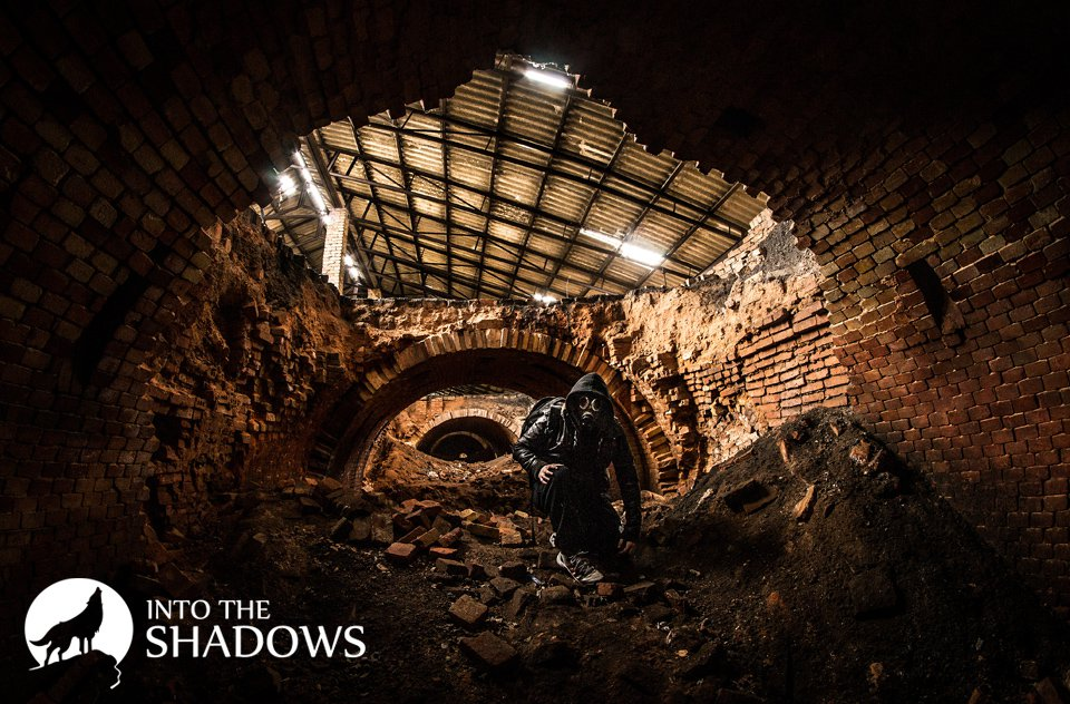 Abandoned brick factory 'G': The first traces of a brick factory can be found on the military map of 1825. At this time, the entire surrounding property belonged to the family Danglów. According to numerous sources, the company contributed from the expansion of the capital. The picture of my modest photo taken in an abandoned kiln of brick, and, in particular, in the dryer.
