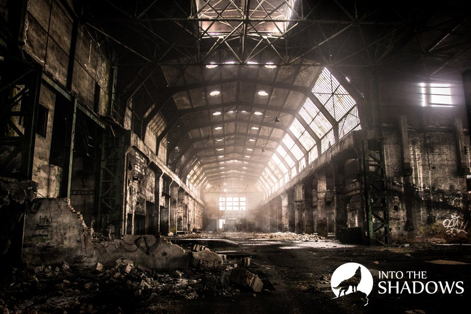 Abandoned factories, mechanical, 'U': Former factories, mechanical known with production, mainly of agricultural tractors. The beginning of the existence of the plant dates back to 1893. For more than a century of history producing tractors, tanks, buses, cars or motorcycles. Photo of the abandoned main room of the plant.